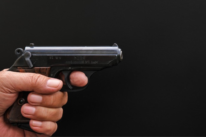Le braqueur a tiré à trois reprises sans blesser personne - Illustration