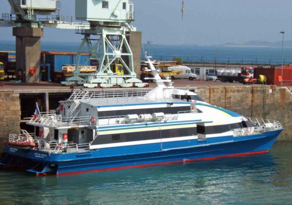 Le navire Victor Hugo assure la liaison des îles anglo-normandes. Il peut transporter 193 personnes (Photo : meretmarine.com)