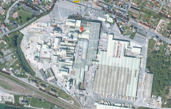 SGD, implantée à la frontière de la Seine-Maritime et de la Somme, à Mers-les-Bains est la plus grande usine de flaconnage au monde (@Google Maps)