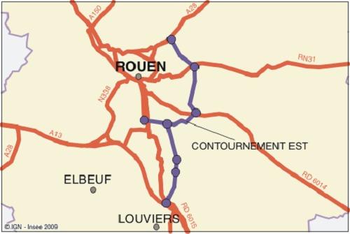 Le projet de liaison A28-A13, en désengorgeant le centre-ville de Rouen et en améliorant les  liaisons entre Rouen et Louviers/Val-de-Reuil, et entre Rouen et l'Eure, notamment pour la  desserte de la Vallée de l'Andelle, contribue à l'amélioration de la qualité de vie dans le cœur de  l'agglomération rouennaise, au développement urbain et à la dynamique économique régionale, indiquait, en substance, un communiqué publié en octobre 2012 par la préfecture de Seine-Maritime.