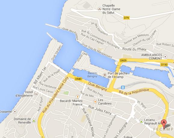 Le bateau a heurté la jetée au moment où il s'apprêtait à pénétrer dans le port  (@Google Maps)