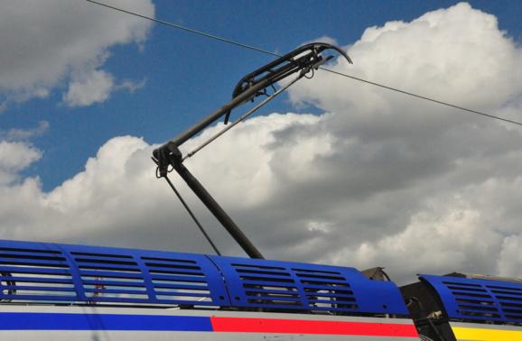La rupture du pantographe est à l'origine de la panne du train intercités dans le tunnel du Roule (Photo d'illustration : @Flickr/OlivierGa)