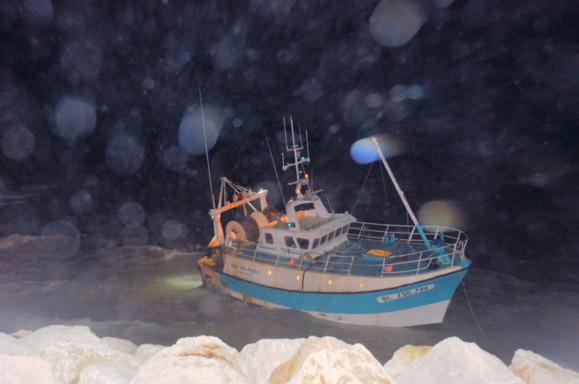 L'épave n'a pu être remorquée (Photo Préfecture maritime)