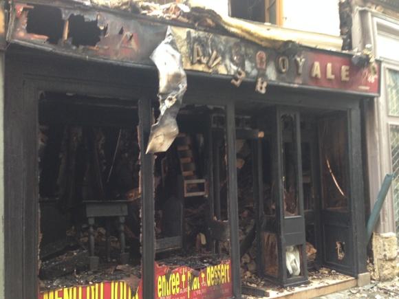 """L'incendie se serait déclaré dans la cuisine du restaurant """"La Cave Royale"""" qui a été entièrement détruit  (Photo : DR)"""