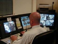 La plupart des grands magasins disposent d'un système de surveillance interne et d'agents de sécurité (Photo d'illustration)