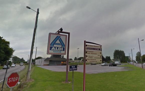 Le magasin Aldi est situé à l'extérieur du bourg, 60 rue Joseph Coddeville (@Google Maps)