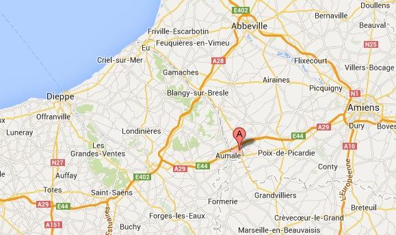La remorque d'un tracteur renversée sur la D1015 à la frontière de Seine-Maritime
