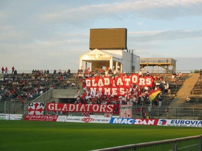 Les supporters de Nîmes Olympique, baptisés les Gladiators ne sont pas réputés pour des être des tendres lors des rencontres de leur équipe fétiche (Photo d'illustration)