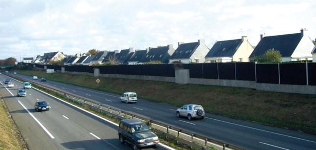 Le mur anti-bruit coûte cher et ne répond pas toujours de manière satisfaisante à ce phénomène de société (Photo d'illustration)