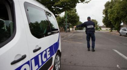 Au cours d'une opération anti-quads près de Rouen, il tente d'échapper à un contrôle de police