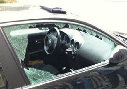 A Elbeuf, un voleur d'autoradios pris la main dans la voiture...