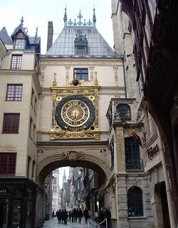 Le célèbre Gros-Horloge de Rouen ouvert au public pour le passage à l'heure d'été