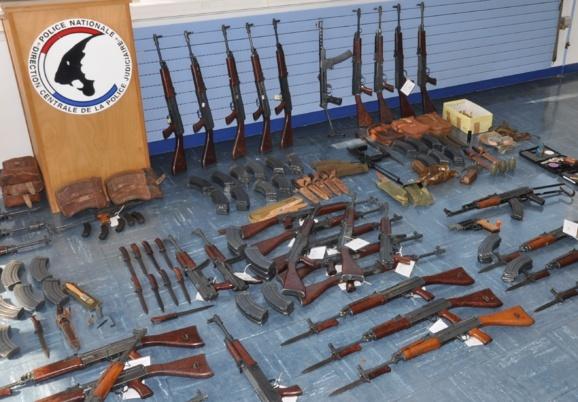 La dernière grosse saisie d'armes de guerre avait été opérée par le SRPJ de Rouen chez un collectionneur domicilié près de Rouen : 60 Kalachnikov avaient été saisies (Photo DR)
