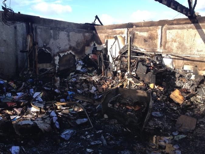 Le spectacle désolant de ce qui reste des quatre appartements détruits par le feu (Photo DR)