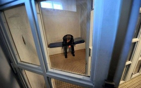 La conductrice a été placée garde à vue après quelques heures en cellule de dégrisement (Photo d'illustration)