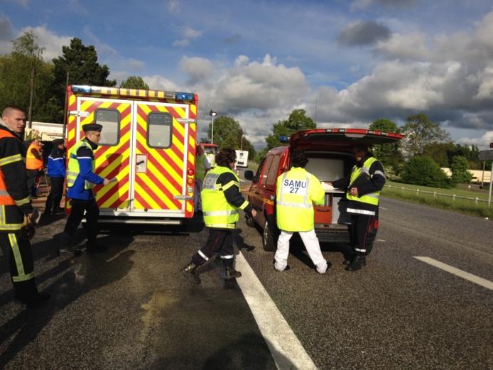 Deux des passagers des véhicules ont succombé à leurs blessures, malgré les soins prodigués sur place par les pompiers (Photo infoNormandie)