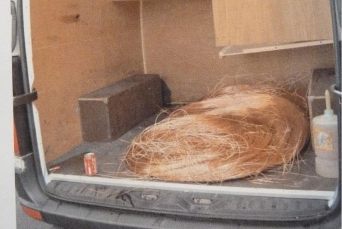 Dans la fourgonnette, les policiers ont retrouvé 250 kg de fils de cuivre dénudés provenant d'un vol par effraction (Photo DDSP)