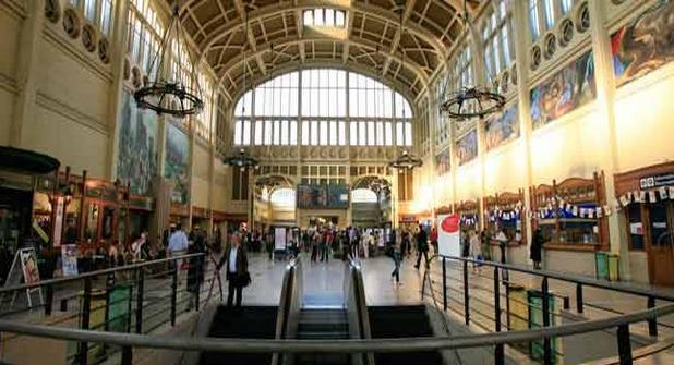 L'adolescent a été découvert errant en bermuda dans la gare de Rouen (Photo d'illustration)
