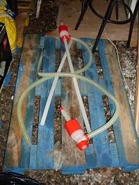 Les voleurs étaient équipés de pompes pour siphonner les réservoirs (Photo DDSP)
