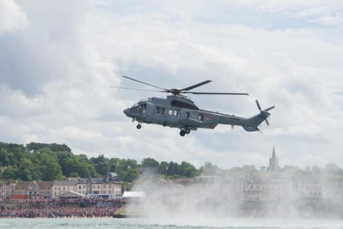 Le savoir-faire de la Marine en démonstration devant 45 000 spectateurs