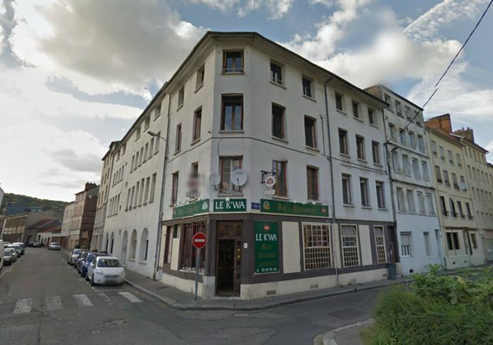 L'immeuble situé à l'angle de la rue Camille Randoing et de la rue Lafayette est vide depuis plusieurs moi. Sa façade présente d'importantes fissures (@Google Maps)