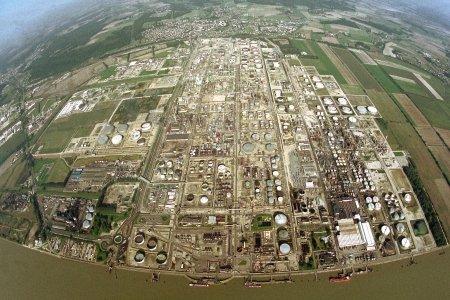 """La zone d'activité industrielle de Port Jérôme va être sous le """"contrôle"""" de l'armée pendant une dizaine de jours au même titre que la gare de Rouen"""