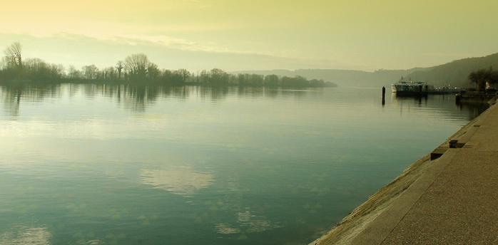 Les traces de plutonium détectées dans la Seine, près de Rouen et de Bouafles (Eure) proviendraient de rejets non autorisés des installations du Commissariat à l'énergie atomique de Fontenay-aux-Roses, dans les années 1970