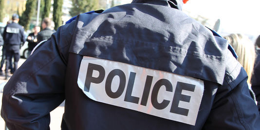 Les policviers poursuivent leur enquête afin de pouvoir identifier les auteurs de l'agression (Photo d'illustration)