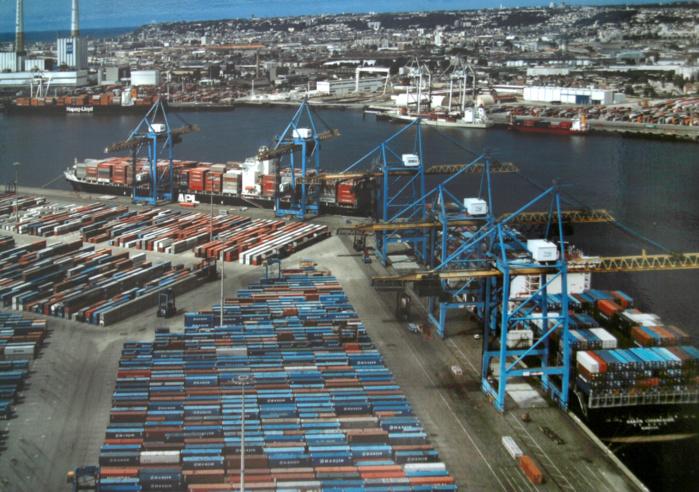 Le docker interpellé le 21 mars dernier chargeait dans une camionnette des cartons de sacs Louis Vuitton dérobés dans un container sur le port du Havre. Il avait été surpris par des agents de la sécurité portuaire (Photo d'illustration)