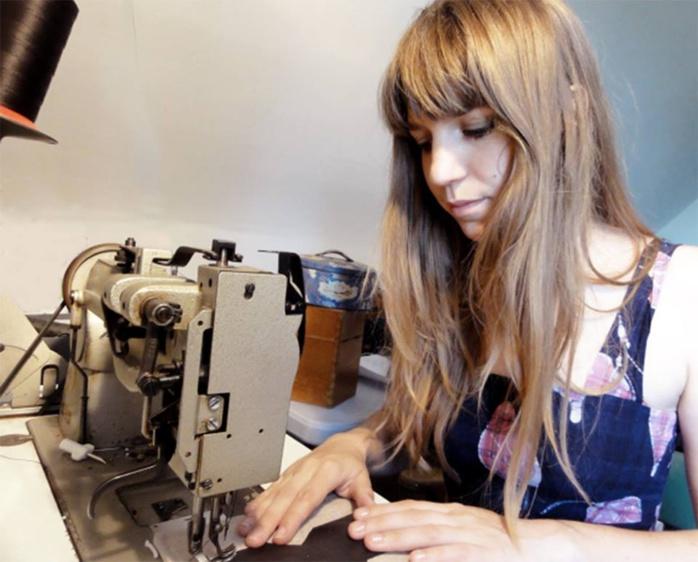 Marion en plein travail dans son atelier de Menthe Poivréee (Photo DR)