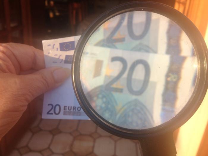 Il est possible de reconnaître à l'oeil nu un faux billet d'un vrai (Photo d'illustration @infoNormandie)