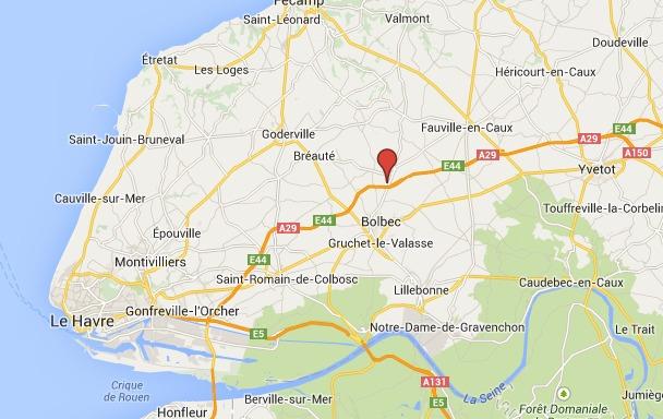 Un poids-lourd transportant des matières dangereuses couché sur l'A29 en Seine-Maritime