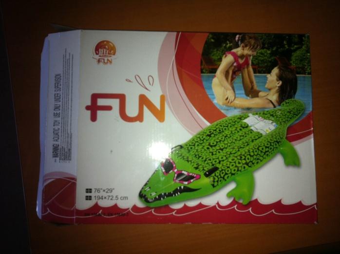 Les indications portées sur les emballages sont en contradiction avec les informations indiquées sur le jouet (Photo Douane)