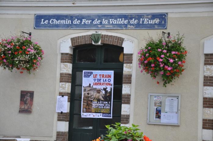 La Libération de Pacy est à vivre autour des animations mises en place à la gare, par l'association du Chemin de Fer de la Vallée de l'Eure  (Photos : @infoNormandie.com)