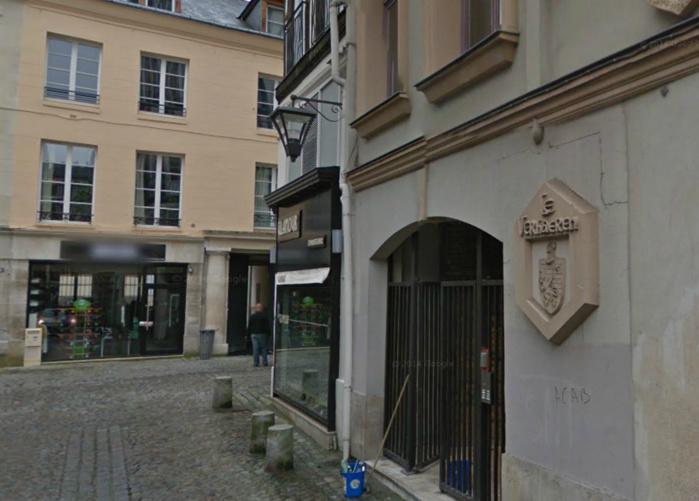 """Les trois hommes sont restés bloqués dans l'ascenseur de cet immeuble, le """"Verhaeren"""", situé au n°1, rue Verhaeren, pas très loin de la rue du Gros Horloge, à Rouen (@Google Maps)"""