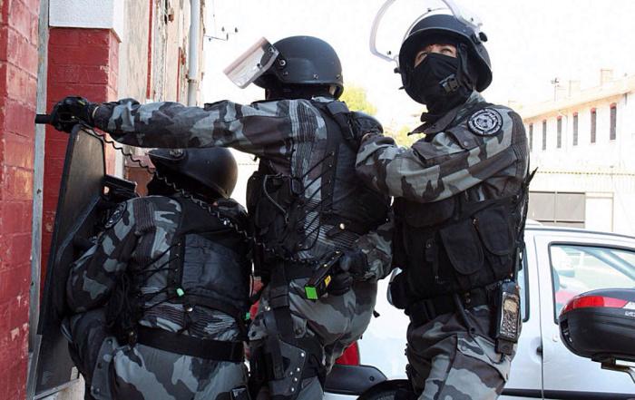 Les hommes de l'unitité d'élite de la police, le RAID, ont découvert dans la chambre le corps sans vie du sexagénaire qui s'était donné la mort (Photo d'illustration)