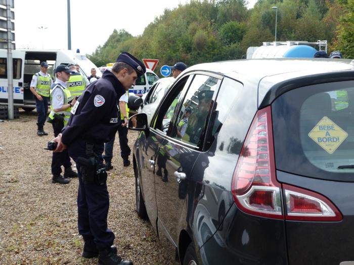 Excès de vitesse et infractions au code de la route : la police prête à passer l'éponge, si...