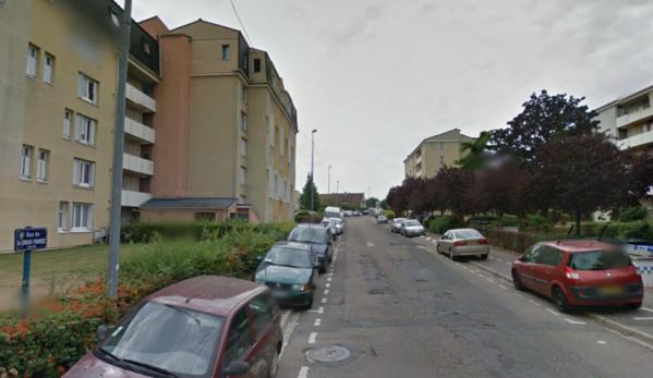 L'agression à domicile s'est produit rue de la Croix Ferrée, une rue du quartier de Gassicourt plutôt tranquille