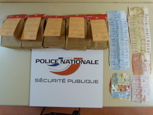 Les 3,6 kg de résine de cannabis et l'argent ont été saisis par les enquêteurs (Photo DDSP)