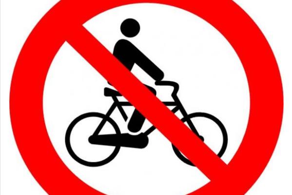 Rouen : Il voulait déjeuner en tête-à-tête avec son vélo ! Le papy violent est expulsé du restaurant