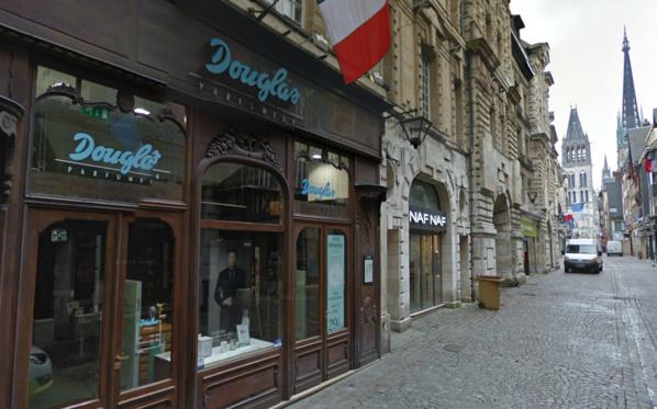 Les deux femmes qui avaient volé des flacons de parfum dans la boutique Douglas ont pu être identifiées et confondues grâce à la vidéosurveillance (@Google Maps)