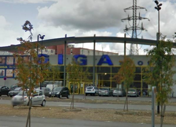 Le magasin Giga Store est implanté dans une zone commerciale en bordure de l'avenue des Arpents (@Google Maps)