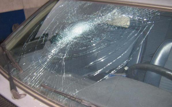 Trente-cinq véhicules en stationnement ont été dégradées par les casseurs. Le montant des dégâts est important  (Photo d'illustration)