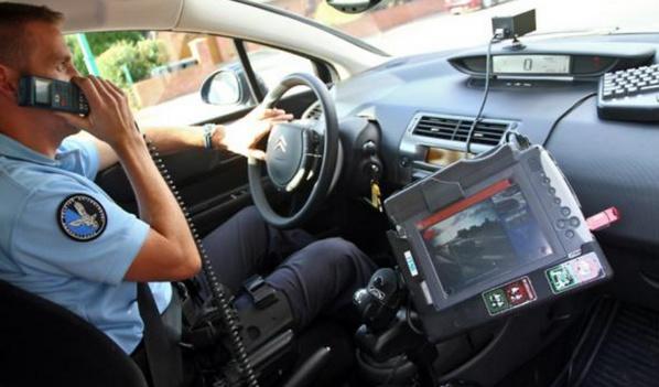 Embarqué à bord d'un véhicule de gendarmerie (ou de police), le lecteur automatisé de plaques d'immatriculation (LAPI) est relié à un fichier national où sont répertoriés tous les véhicules volés ou mis sous surveillance, comme cela était le cas de la Citroën Xsara interceptée dans l'Eure (Photo d'illustration)