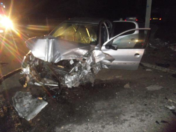 Le choc a été violent : ici la 206 Peugeot (Photo DR)