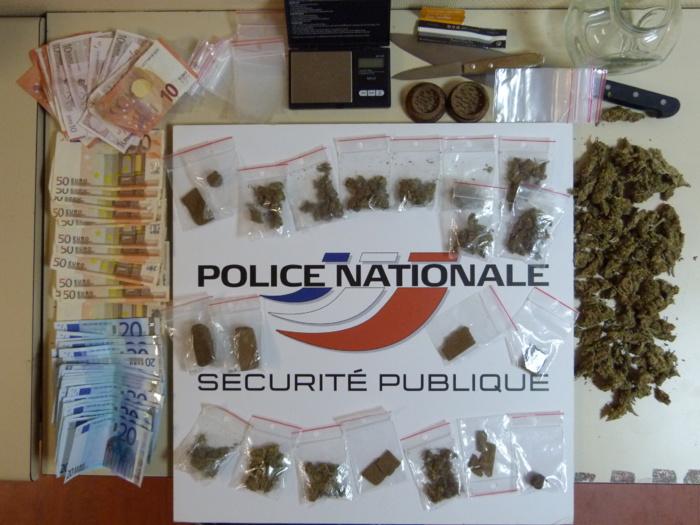Au domicile du jeune homme à Oissel, les policiers ont découvert du cannabis, de l'argent dont la provenance est suspecte ainsi que le matériel nécessaire à un trafiquant (Illustration DDSP76)