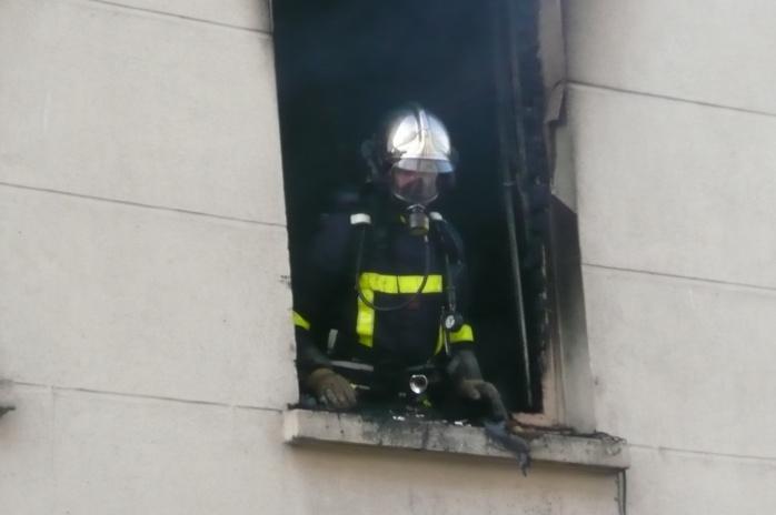 Photo d'illustration d'une intervention des sapeurs-pompiers lors d'un incendie d'appartement