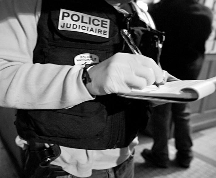 Les enquêteurs de la police judiciaire de Versailles ont procédé aux relevés d'empreinte et de traces ADN sur les lieux de l'agression (Photo illustration  @DGPN)