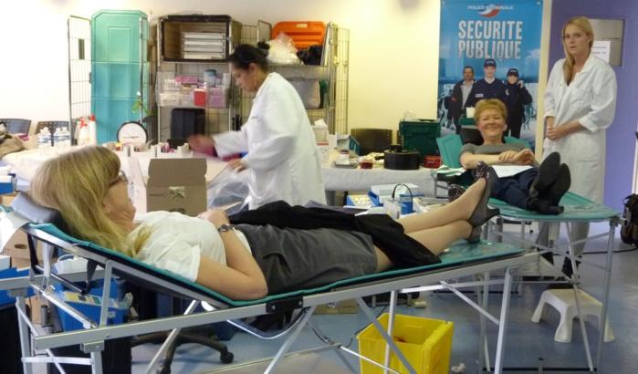 Hier mardi, lors de la collecte organisée au sein de l'Hôtel de Police, 52 fonctionnaires, femmes et hommes, ont fait fon de leur sang (Photo DDSP°