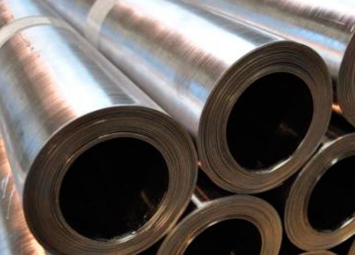 Une vingtaine de bandes de plomb représentant 800 kg a été retrouvée dans le garage de l'employé indélicat à Elbeuf (Photo d'illustration)